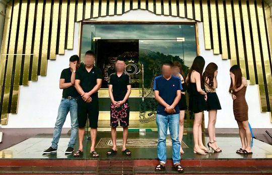 Khởi tố 6 dân chơi đất Cảng tổ chức bay trong quán karaoke Diamond - Ảnh 1.