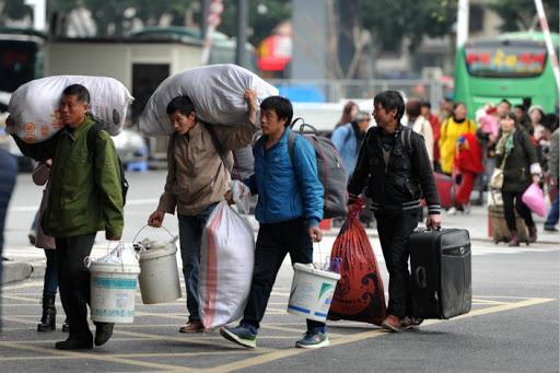 Nguy cơ vỡ nợ từ dịch vụ cho thuê bất động sản tại Trung Quốc - Ảnh 1.
