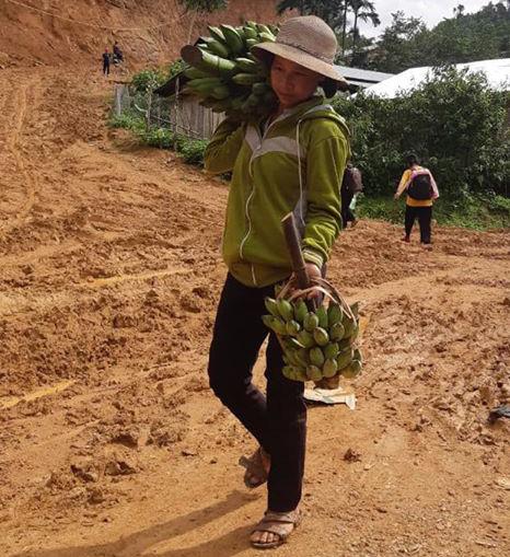 Rụng tim với những thức quà bà con huyện nghèo gửi xuống Đà Nẵng - Ảnh 7.