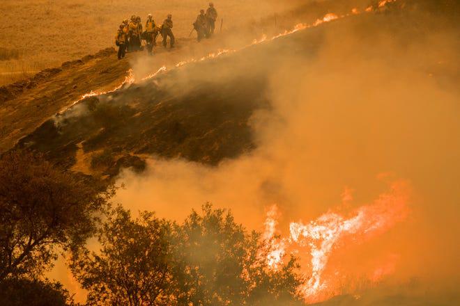 Tuyệt vọng vì cháy rừng, California phải cầu cứu nước Úc xa xôi - Ảnh 1.