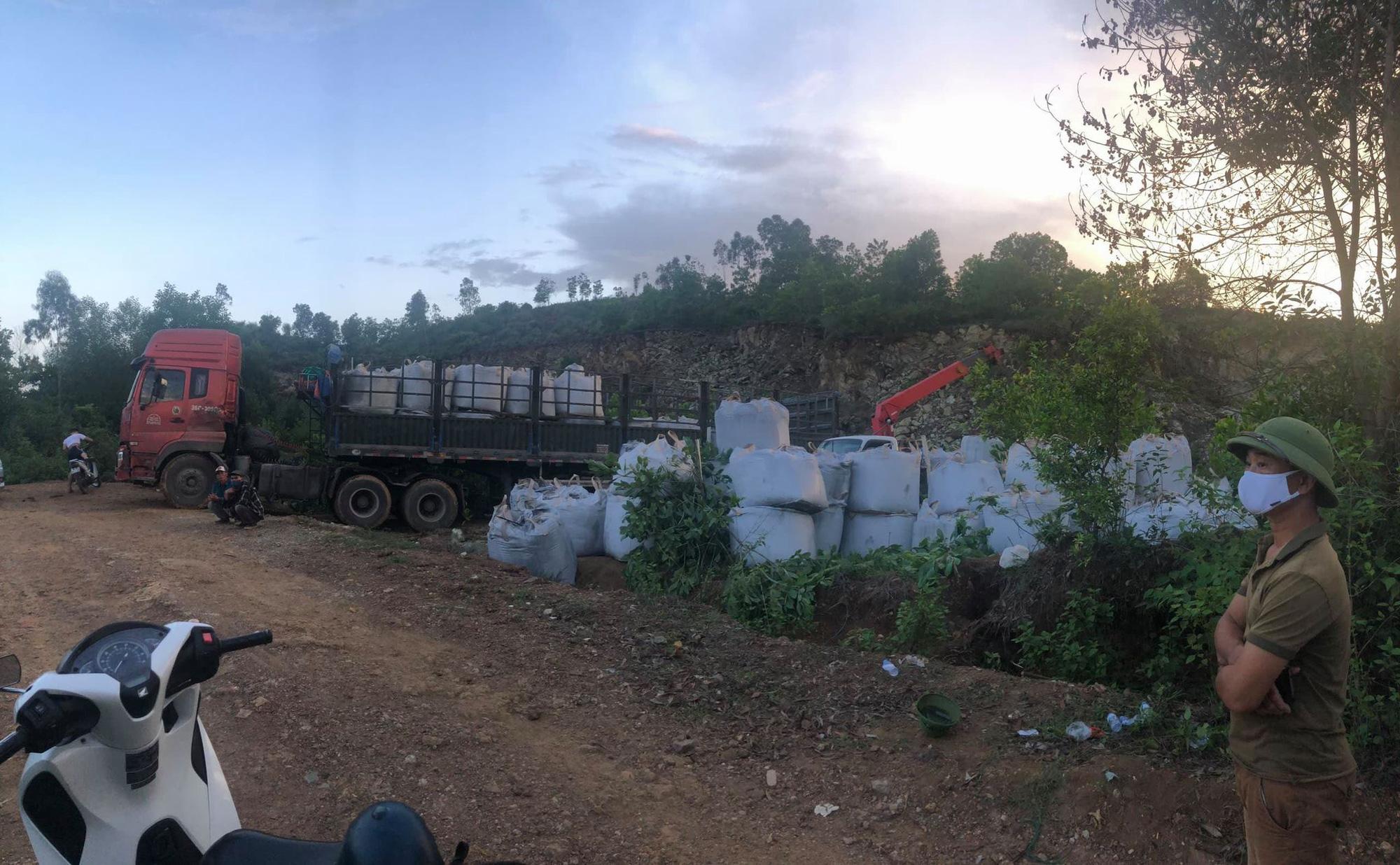 Công ty Môi trường Nông Cống ký nhận chở 60 tấn chất thải từ Ninh Bình về địa phương đổ - Ảnh 3.