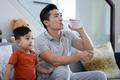 Quốc Cơ tập xiếc cho con trai 3 tuổi để lập kỷ lục Guinness Việt Nam - Ảnh 8.
