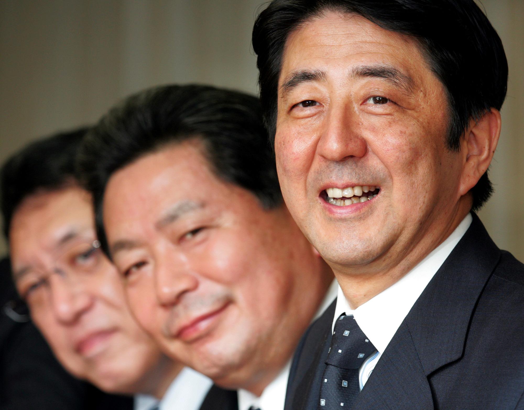 [eMagazine] Dấu ấn Thủ tướng Abe - Ảnh 8.