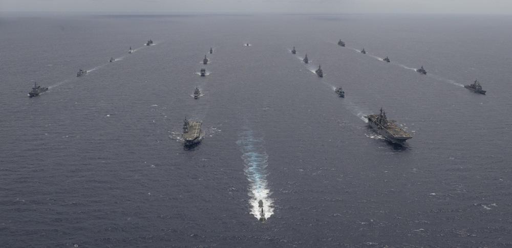 eMagazine: Trung Quốc phóng tên lửa trên biển Đông, Mỹ đáp trả mạnh mẽ - Ảnh 1.