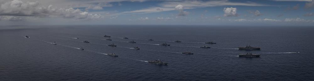 eMagazine: Trung Quốc phóng tên lửa trên biển Đông, Mỹ đáp trả mạnh mẽ - Ảnh 3.
