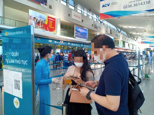 Đà Nẵng bố trí 2 chuyến bay giải tỏa du khách bị mắc kẹt do dịch Covid-19 - Ảnh 1.