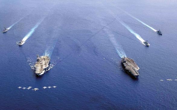 Ông Duterte ra lệnh cấm Hải quân Philippines tập trận chung ở biển Đông - Ảnh 2.