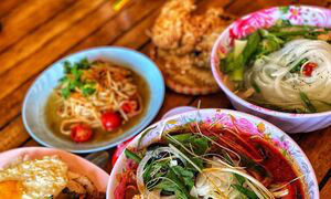 Quán cơm bình dân Việt gây sốt ở Seoul - Ảnh 8.
