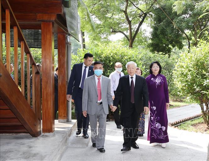 Tổng Bí thư, Chủ tịch nước dâng hương tưởng niệm Chủ tịch Hồ Chí Minh tại Nhà 67 - Ảnh 5.