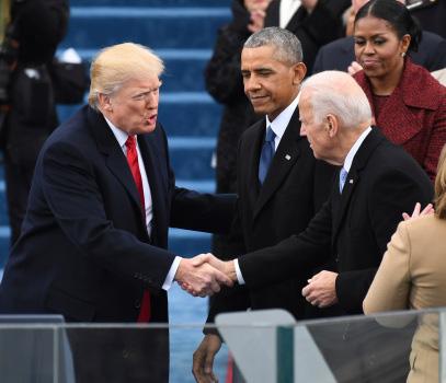"""Tổng thống Trump: """"Những người trong bóng tối"""" đang điều khiển ông Joe Biden - Ảnh 2."""