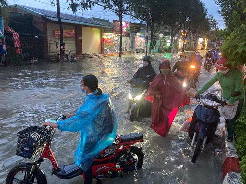 TP Biên Hòa hễ mưa là ngập! - Ảnh 1.