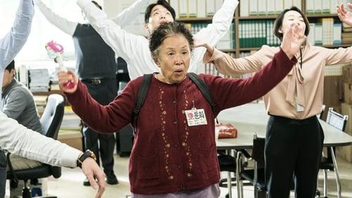"""""""Người bà quốc dân"""" Na Moon Hee: U80 vẫn đóng phim hành động - Ảnh 5."""