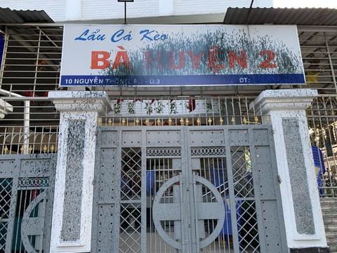 Vì sao quán lẩu cá kèo Bà Huyện 2 trên đường Nguyễn Thông bị tấn công? - Ảnh 2.