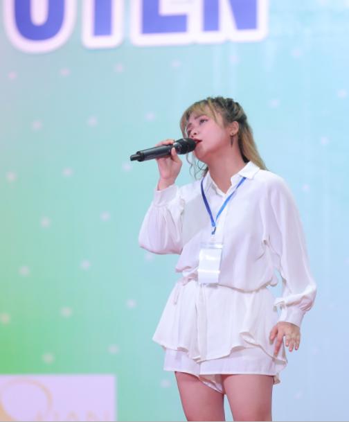 Hơn 400 thí sinh tranh tài vòng sơ khảo Giọng hát hay Hà Nội - Ảnh 3.