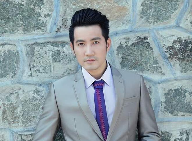 Ca sĩ Nguyễn Phi Hùng dẫu trời mưa vẫn hát với Mùa thu và mãi mãi - Ảnh 1.