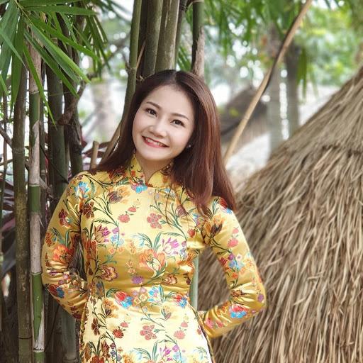 Ca sĩ Nguyễn Phi Hùng dẫu trời mưa vẫn hát với Mùa thu và mãi mãi - Ảnh 2.