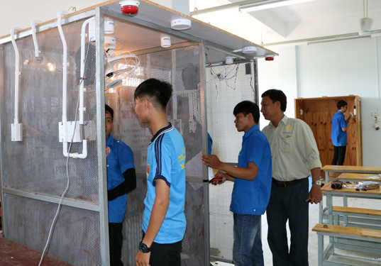 Ninh Thuận: Lao động mất việc do dịch Covid-19 được học nghề miễn phí - Ảnh 1.