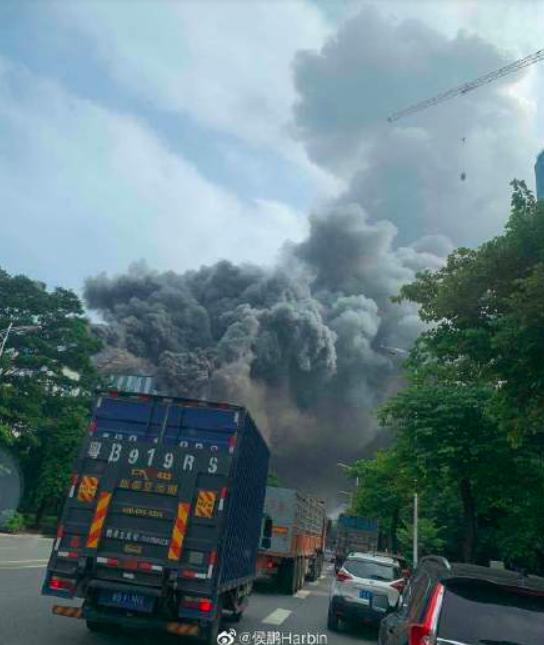 Trung Quốc: Cháy lớn tại phòng nghiên cứu của Huawei - Ảnh 3.
