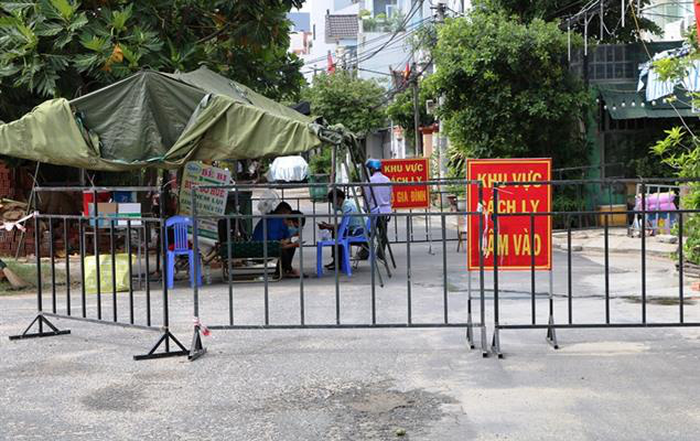 Hơn 63.000 người cách ly chống dịch, Đà Nẵng bắt đầu xét nghiệm đại diện hộ gia đình  - Ảnh 2.