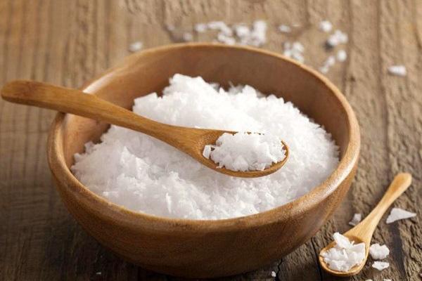 Bộ Y tế điểm danh những thực phẩm ngập muối, thủ phạm làm tăng huyết áp - Ảnh 1.