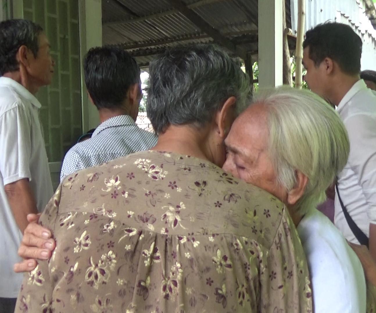 [eMagazine] Hành trình vượt qua nỗi đau của 3 anh em mồ côi ở Sóc Trăng - Ảnh 12.