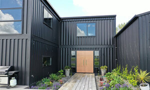 Kiến trúc sư xây dinh thự từ 12 container - Ảnh 6.