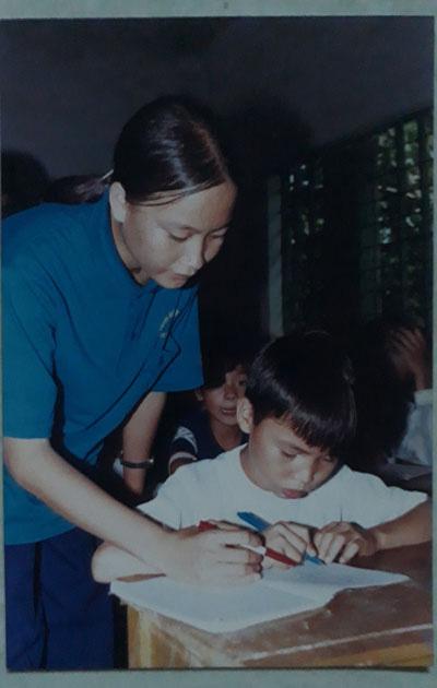 Cuộc thi viết Từ trong ký ức: Nội tôi và lớp học xóa mù - Ảnh 1.