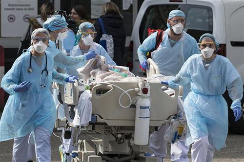 Toàn cảnh đại dịch Covid-19 trên thế giới và Việt Nam - Ảnh 2.