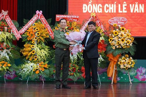 Giám đốc Công an Đắk Lắk được thăng cấp hàm Thiếu tướng - Ảnh 1.