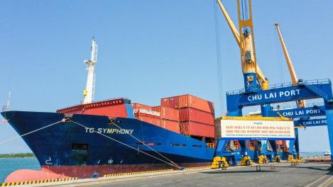 Thaco xuất khẩu hơn 200 ô tô và linh kiện phụ tùng trong ngày ra quân đầu năm Tân Sửu - Ảnh 2.