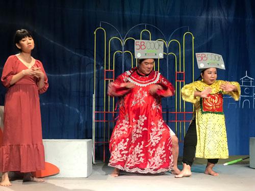 Sân khấu tìm cách sống chung với dịch - Ảnh 1.