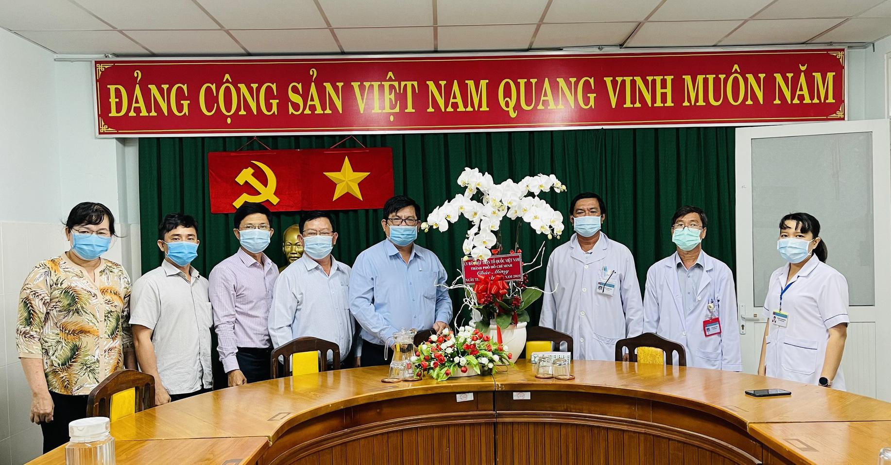 TP HCM hỗ trợ Hải Dương 2 tỉ đồng chống dịch Covid-19 - Ảnh 1.