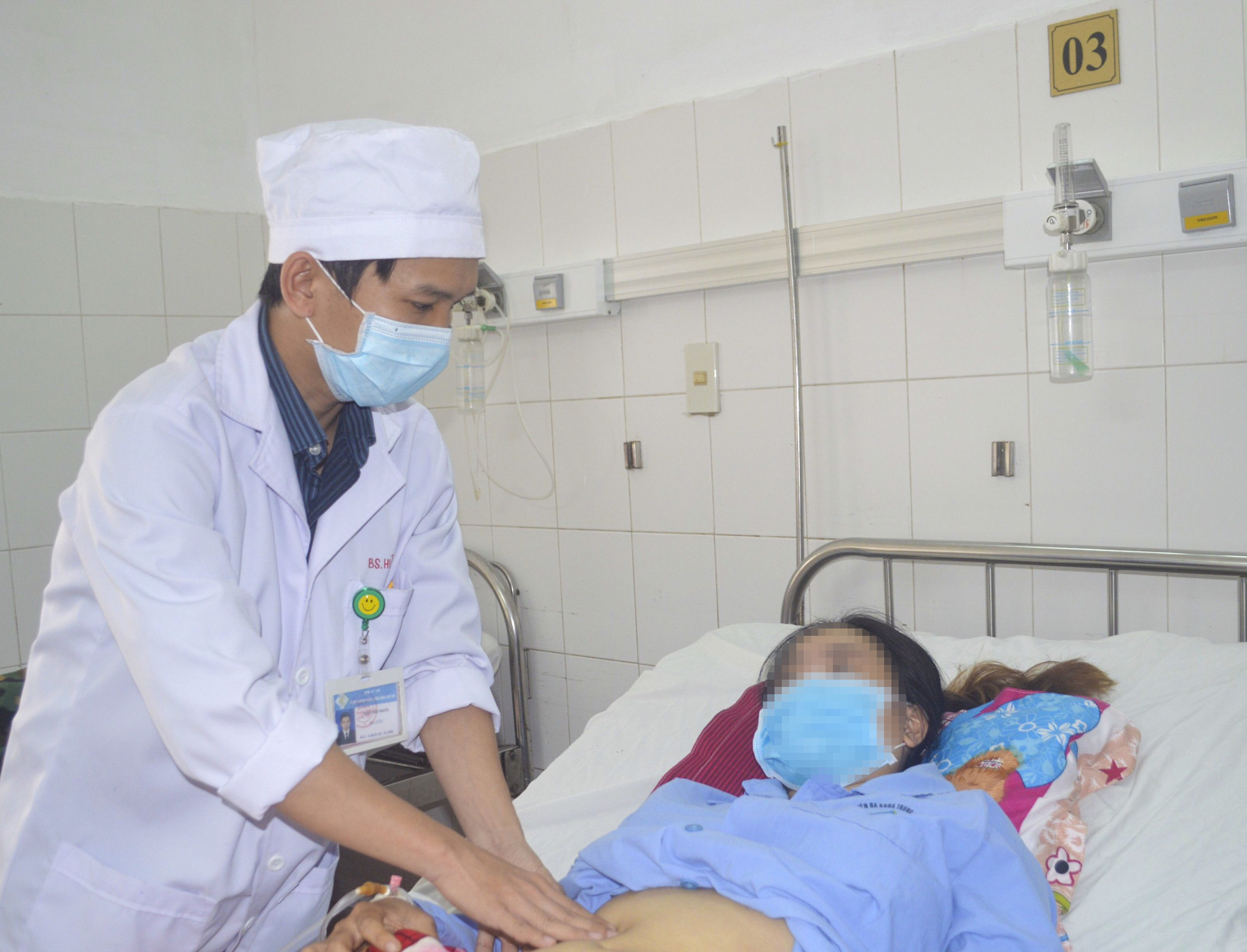 Thanks to the micro-catheter, the girl in a critical accident saved her life dramatically - Photo 2.