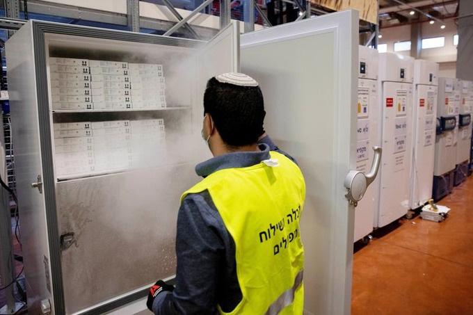 Kiem nghiem tren 0,5 trieu nguoi: Vac-xin Pfizer hieu qua 94%