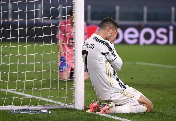 Bị Juventus đại hạ giá, Ronaldo mơ tái hồi Real Madrid - Ảnh 1.
