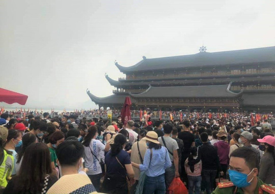 5 vạn người đổ về chùa Tam Chúc: Xử nghiêm vi phạm quy định phòng, chống dịch Covid-19 - Ảnh 1.