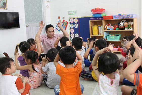 Kiểm soát cảm xúc khi dạy trẻ - Ảnh 1.