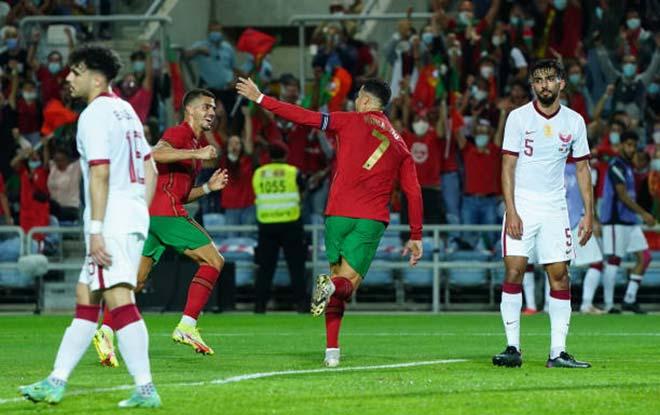 Ronaldo vượt Ramos số trận ra sân, nối dài kỷ lục bàn thắng - Ảnh 2.