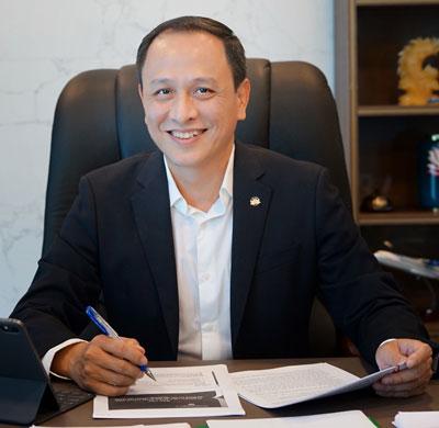 9-13-10-Le-Hong-Ha-CEO-Vietnam-Airlines