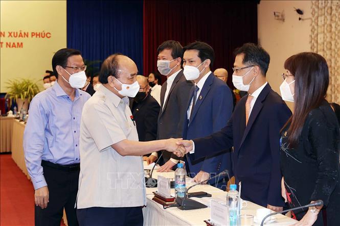 Chủ tịch nước Nguyễn Xuân Phúc gặp mặt Hội Doanh nghiệp trẻ Việt Nam - Ảnh 1.