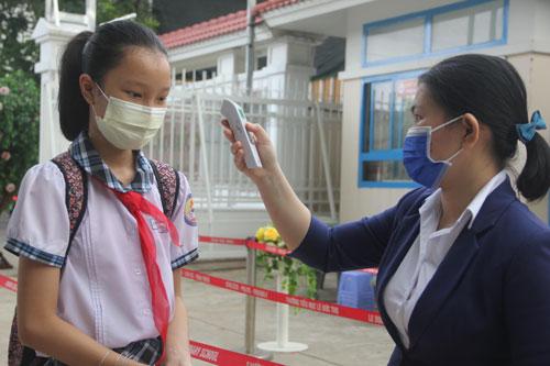 Học sinh được tiêm vắc-xin ngay trong tháng 10-2021 - Ảnh 1.