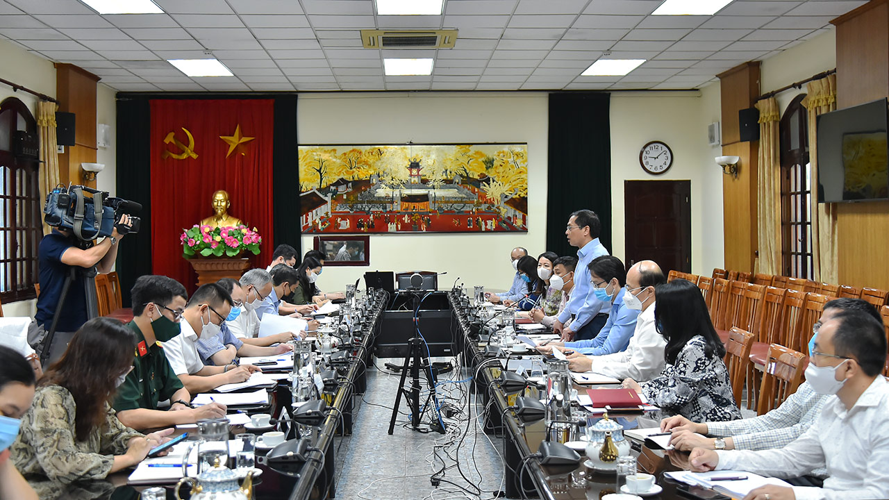 Việt Nam đã tiếp nhận khoảng 90 triệu liều vắc-xin - Ảnh 1.