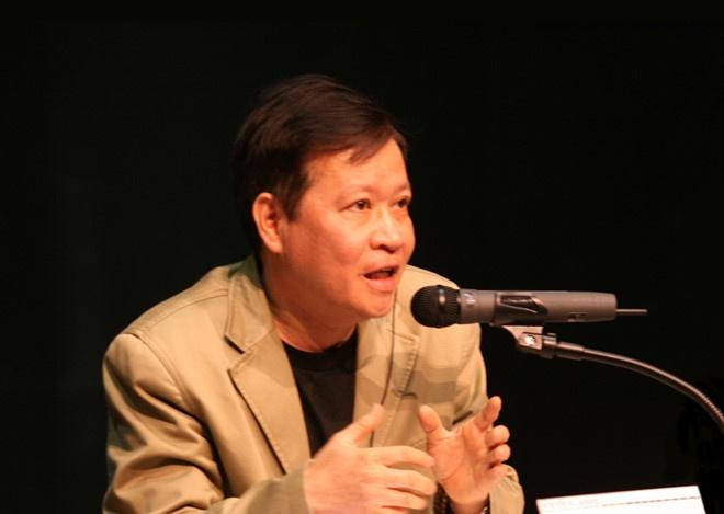 Cựu học sinh Lê Hồng Phong, nhà văn Hồ Anh Thái hiệu đính thiên sử thi nổi tiếng của Ấn Độ
