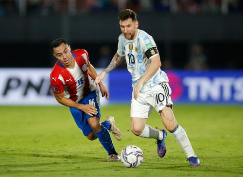 Vòng loại World Cup 2022: Messi tịt ngòi, Argentina bị Brazil bỏ xa - Ảnh 1.