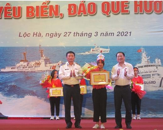 """Nữ sinh lớp 9 giành giải nhất cuộc thi """"Em yêu biển đảo quê hương"""" - Ảnh 5."""