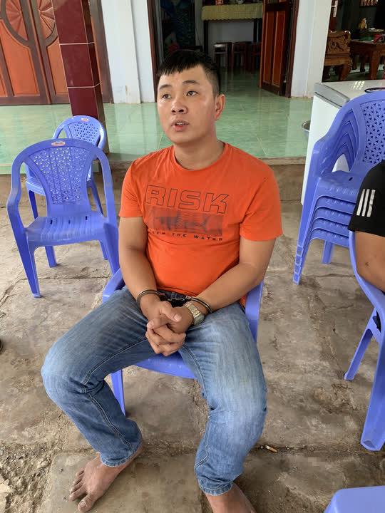 Bắt 2 đối tượng đi ôtô, cướp súng của cảnh sát hình sự ở Tiền Giang - Ảnh 1.