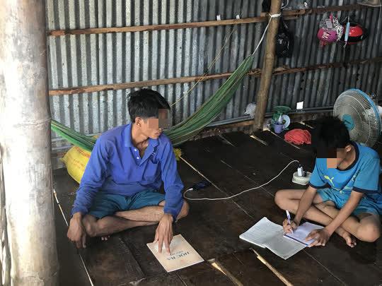 Sở GD-ĐT Đồng Tháp lên tiếng vụ học sinh lớp 6 không đọc thạo chữ - Ảnh 1.