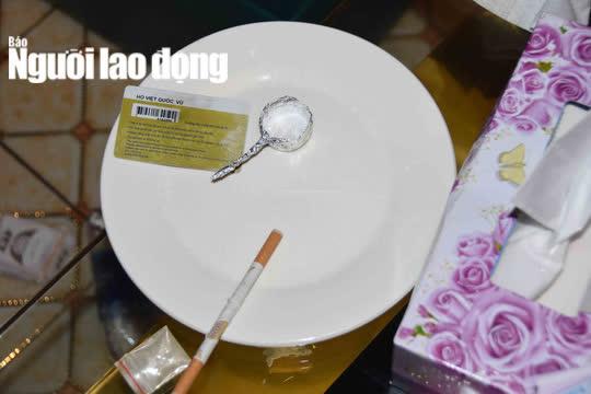 """CLIP: Sau vụ nổ súng kinh hoàng, karaoke XO ở Tiền Giang lại có """"biến"""" - Ảnh 3."""