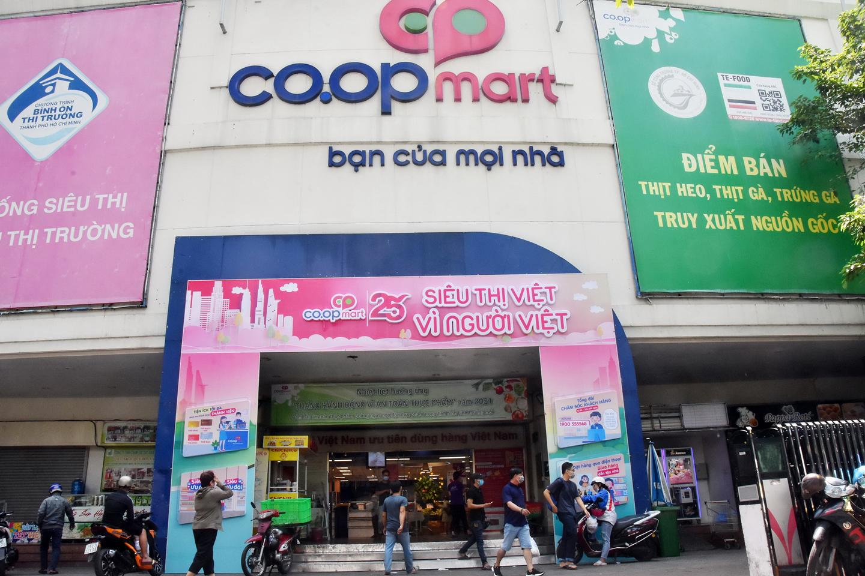 [eMagazine] 25 năm tận tâm phục vụ của hệ thống siêu thị thuần Việt lâu đời nhất Việt Nam - Ảnh 2.