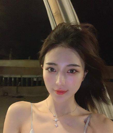 Hotgirl Trung Quốc bị tố lừa tình và tiền của nhiều đại gia - Ảnh 3.